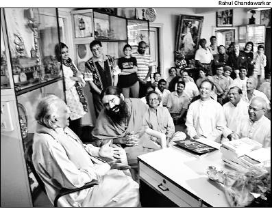 Swami Baba Ramdev visits BKS Iyengar's 89th birthday celebrations.